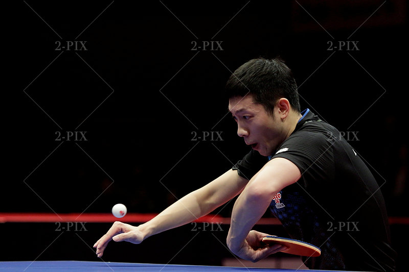 Xu Xin, 许昕 (CHN) beim Rückhandschlag während der German Open. Foto. Binh Truong