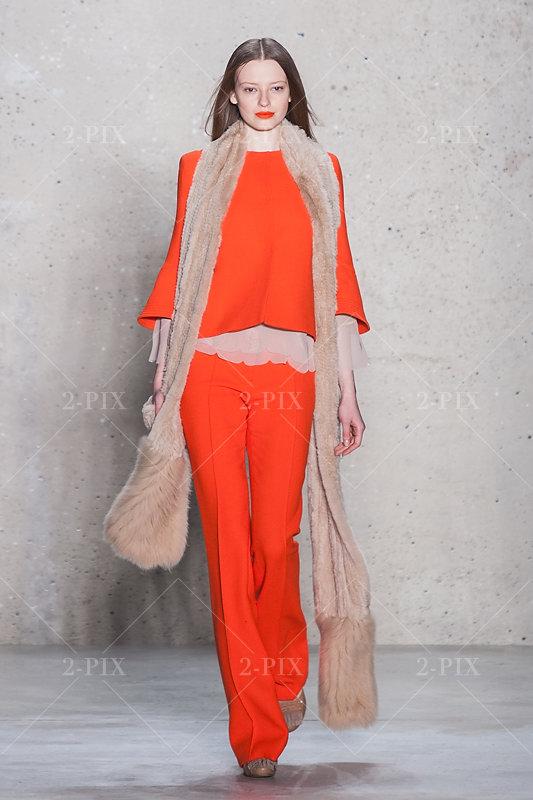 Dorothee Schuhmacher Fashion Show Runway Mercedes-Benz Berlin // Foto: 2-PIX Agency, Binh Truong