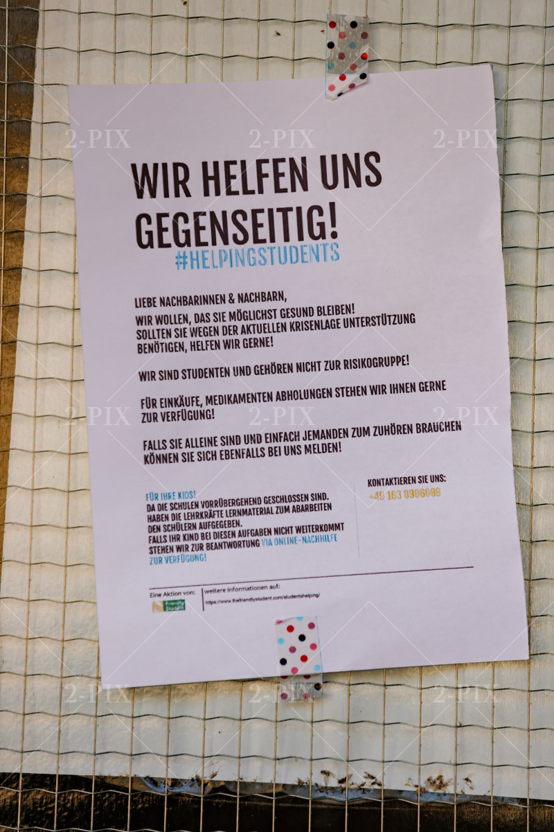 Berlin, Germany - 30.05.2020: Berlin und Abstand 30.05.2020 in Berlin, Berlin, Germany. Photo: Binh Truong