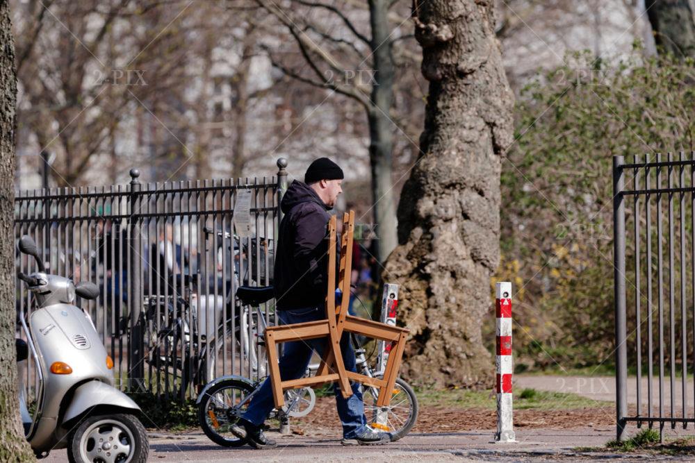 Berlin, Germany - 30.05.2020: An einem Samstag in Berlin 28. März 2020 - Corona Lockdown 30.05.2020 in Berlin, Berlin, Germany. Photo: Binh Truong